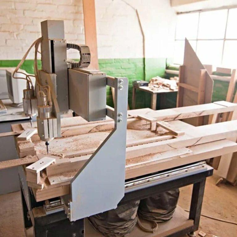 Наше производство дверей в цеху